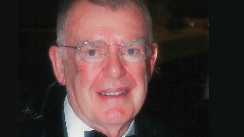 Dr Reginald Bunting