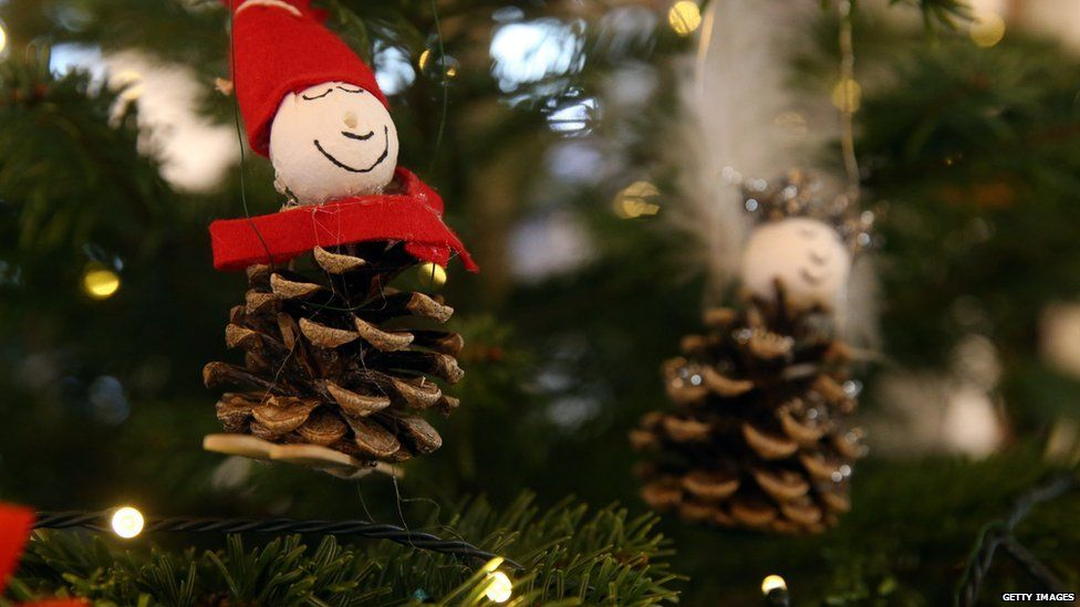 Tips on what to do with your old Christmas tree