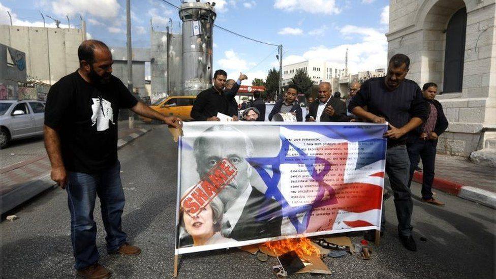 Palestinians protest against the Balfour Declaration, in Bethlehem (01/11/17)