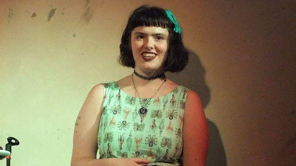 Eurydice Dixon at a comedy show