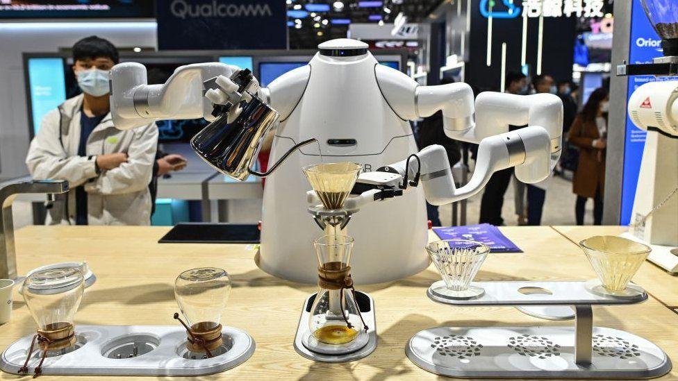 Robot coffee-maker