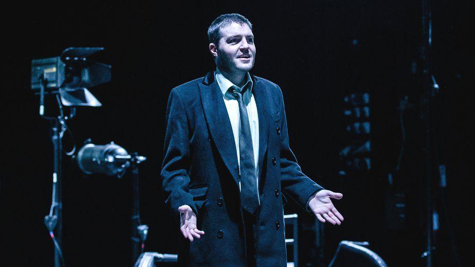 Tom Burke in Don Carlos