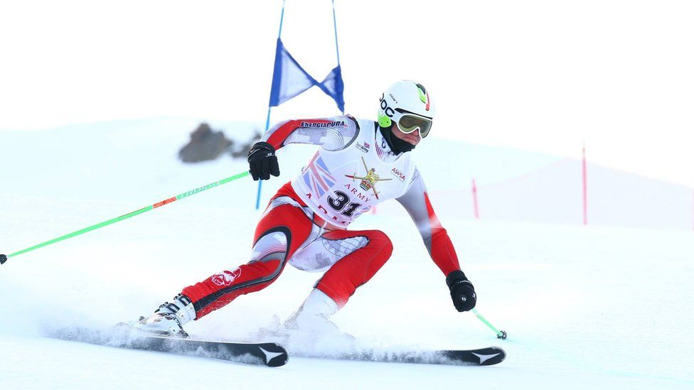 Cilliers skiing