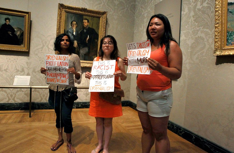 Protesters at Boston's Museum of Fine Arts