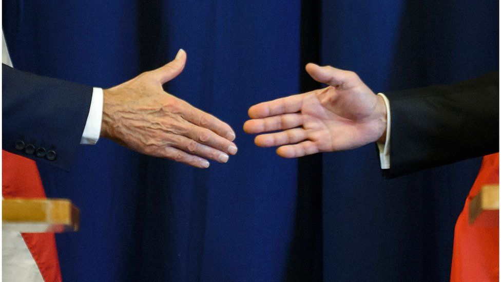 US Secretary of State John Kerry (left) and Russian Foreign Minister Sergei Lavrov shake hands at the end of a press conference closing meetings to discuss the Syrian crisis on September 9, 2016, in Geneva.
