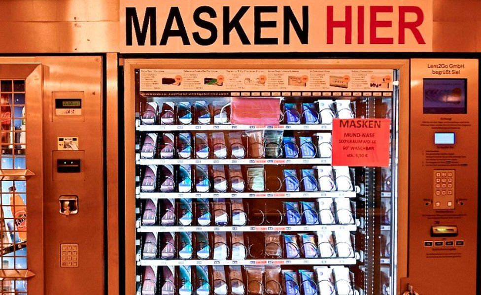 Masks in Berlin U-Bahn, 26 Apr 20