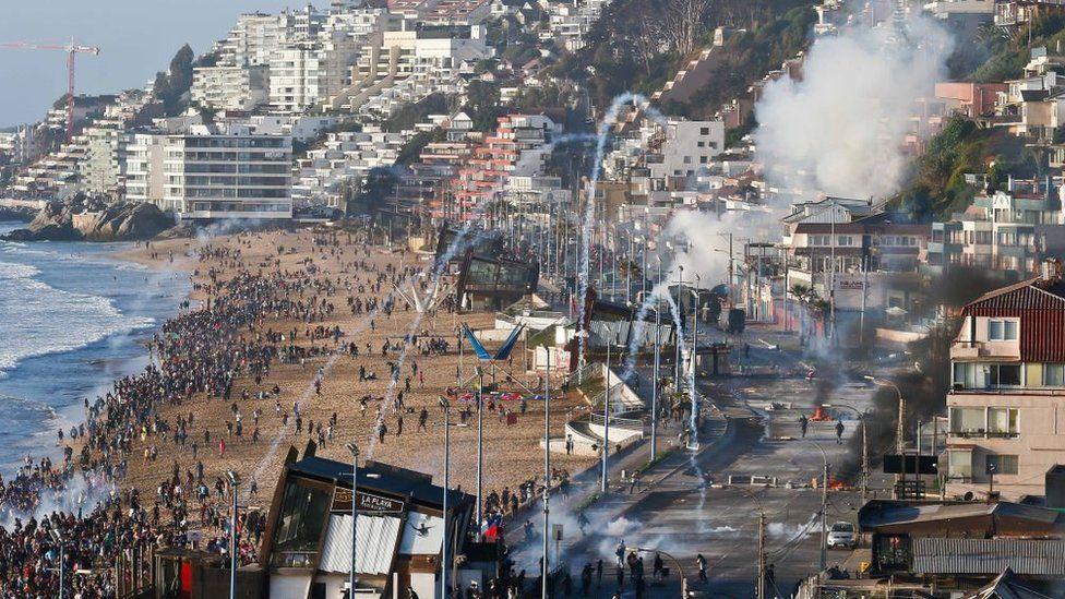 Bombas lacrimógenas en Viña del Mar.