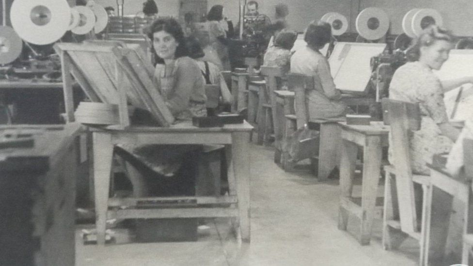 Folding room, the General Paper and Box Manufacturing Company Limited in Treforest