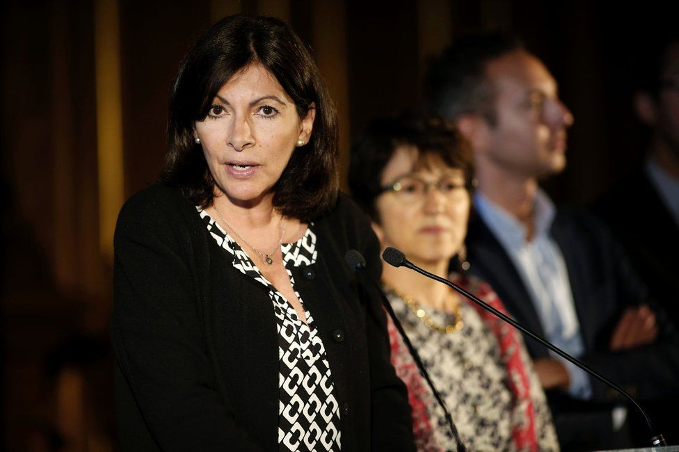 The Mayor of Paris, Anne Hidalgo, announces plans for the camp in Paris, 31 May