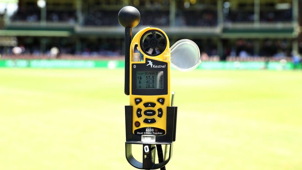 A temperature gauge displays a 57.5C in the middle of the SCG during day four of the fifth Ashes Test between Australia and England at Sydney Cricket Ground, 7 January 2018