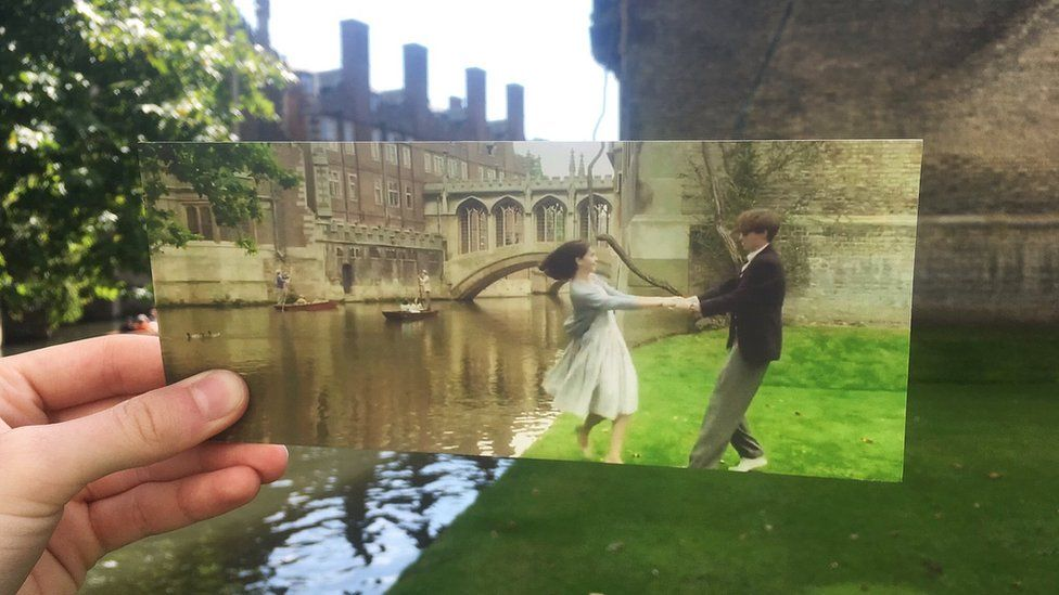 Movie scene from A Theory of Everything recreated