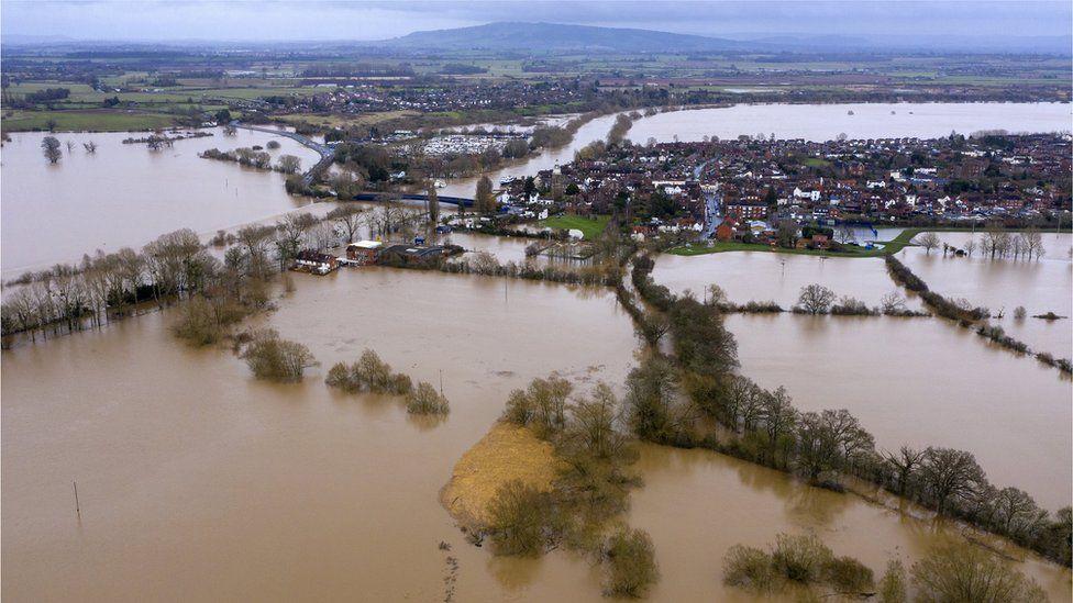 Floodwaters around Upton upon Severn