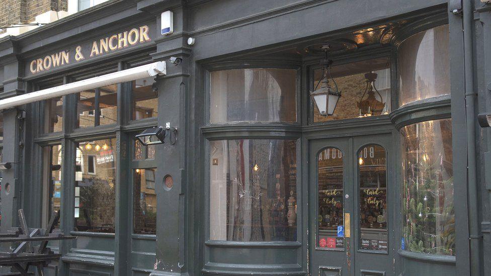 Crown & Anchor pub, Brixton
