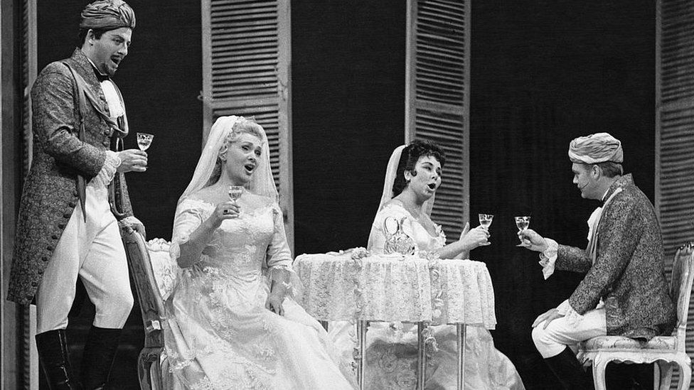 Opera singers Waldemar Kmentt, Elisabeth Schwarzkopf (1915 - 2006), Christa Ludwig and Hermann Prey (1929 - 1998) in a production of Mozart's 'Cosi fan tutte' at the Salzburg Festival, Salzburg, Austria, 5th August 1963
