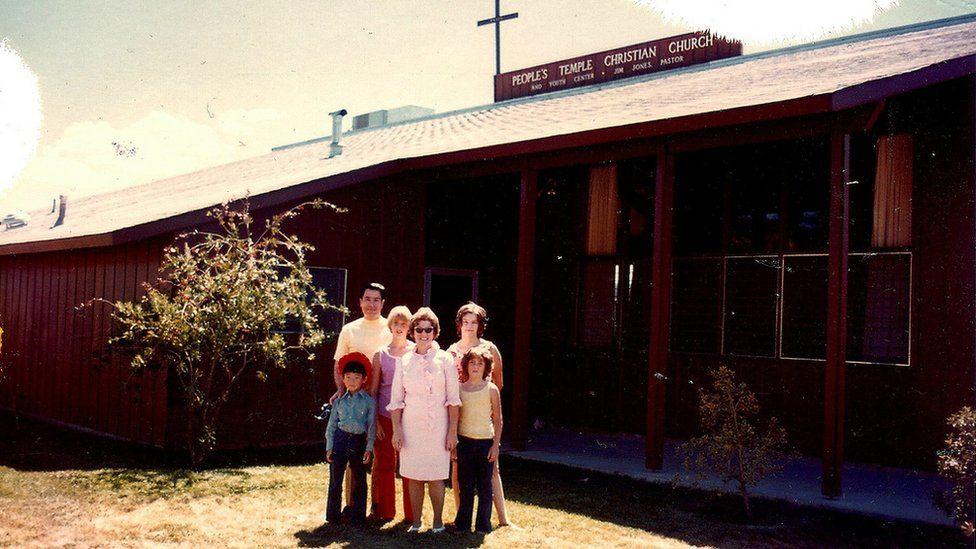 Jim Jones, Lois Ponts and her children Donna Ponts and Cindy Ponts, and Robin Wages and Takashi Hatoyama.