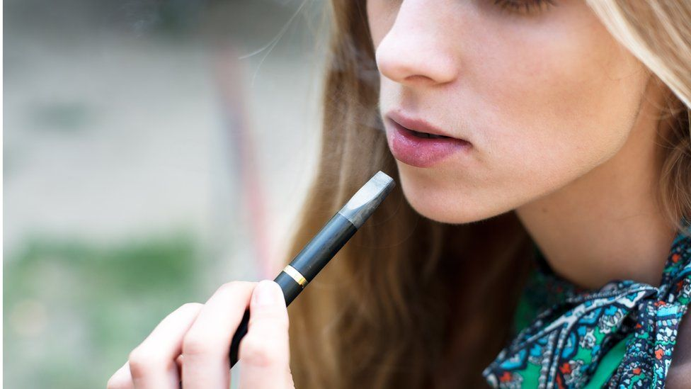 Retailers caught selling e-cigarettes to under-18s - BBC News