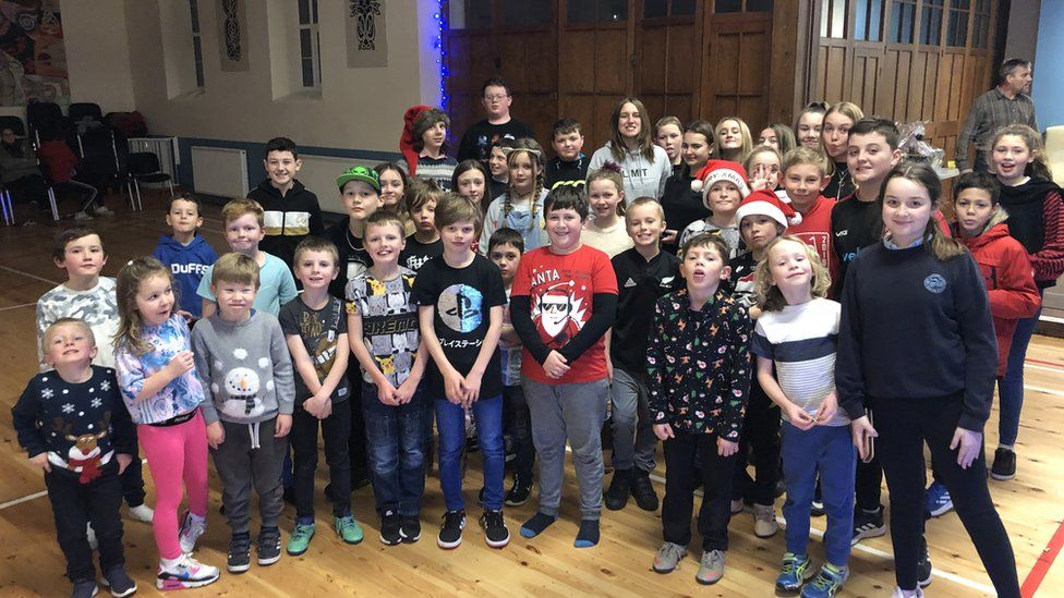 The children in Dyffryn Ardudwy enjoyed a Christmas party after the parents rallied together to restart the youth club