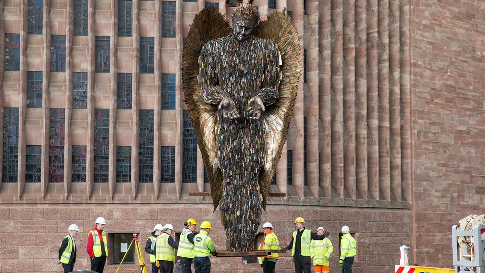 Knife Angel sculpture installed at Coventry Cathedral - BBC News