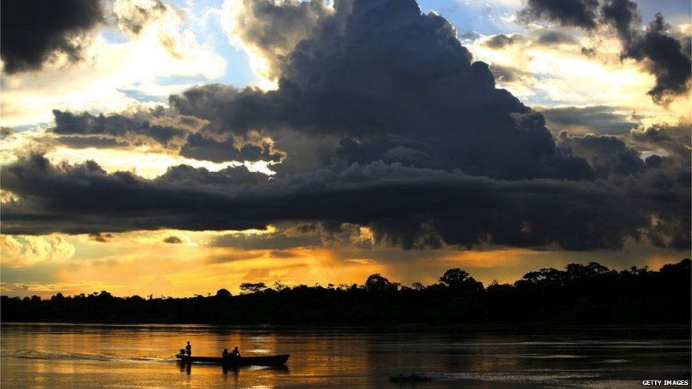 A view of the Northern Peruvian Amazon River (06/2007)