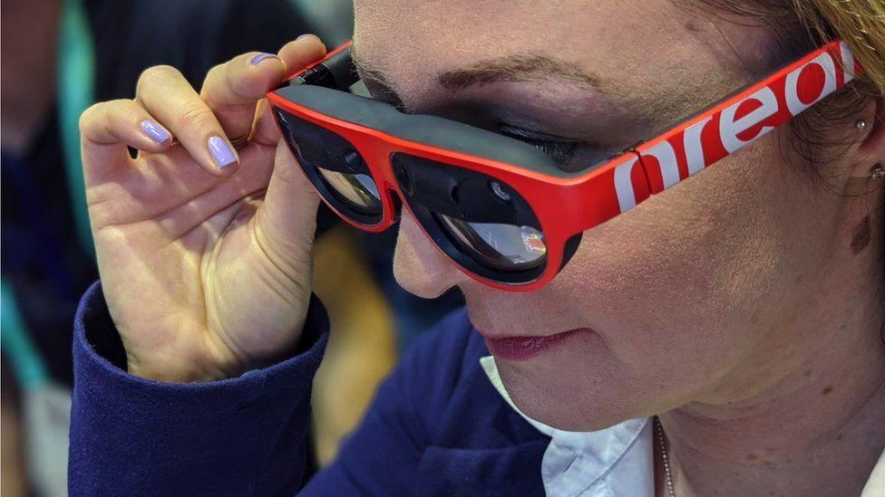 Zoe Kleinman wears Light glasses