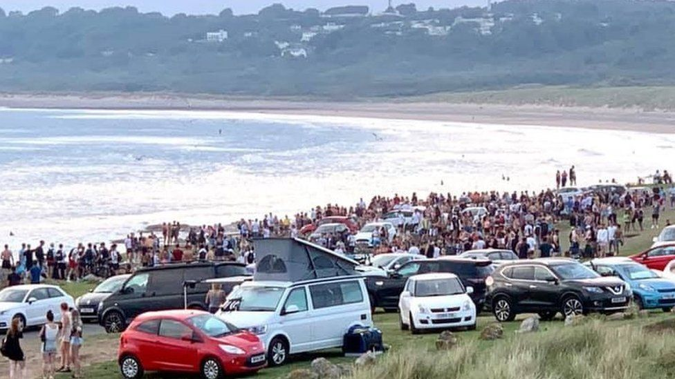 Crowds at Ogmore-by-Sea