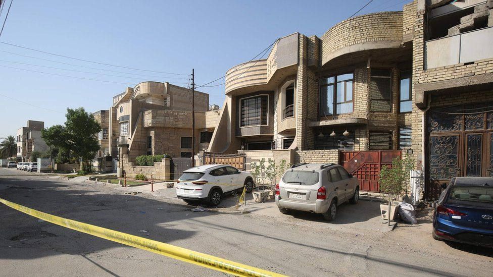 Police tape around the home of Hisham al-Hashimi in Ziyouna, Baghdad (7 July 2020)