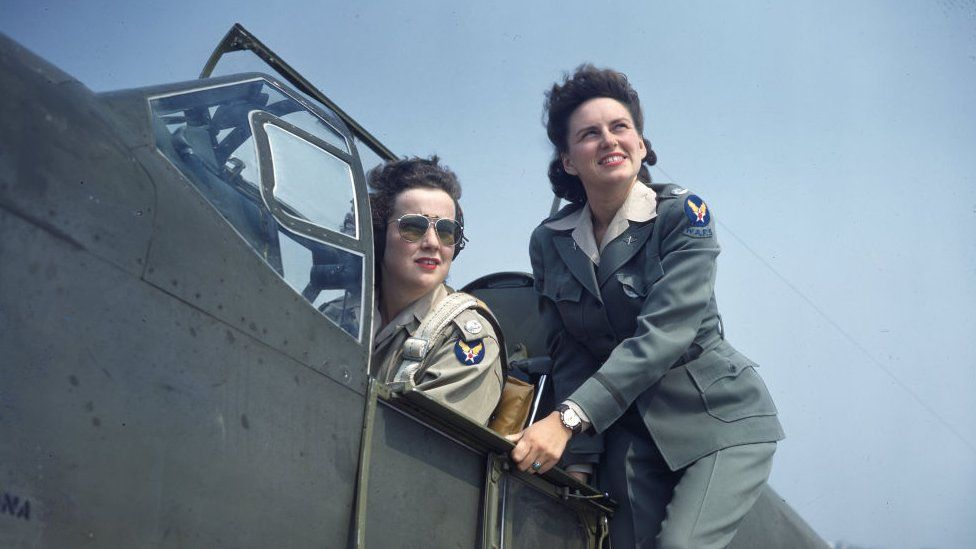 1943 pilots of the Women's Auxiliary Ferrying Squadron (WAFS)