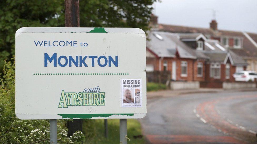 Monkton road sign