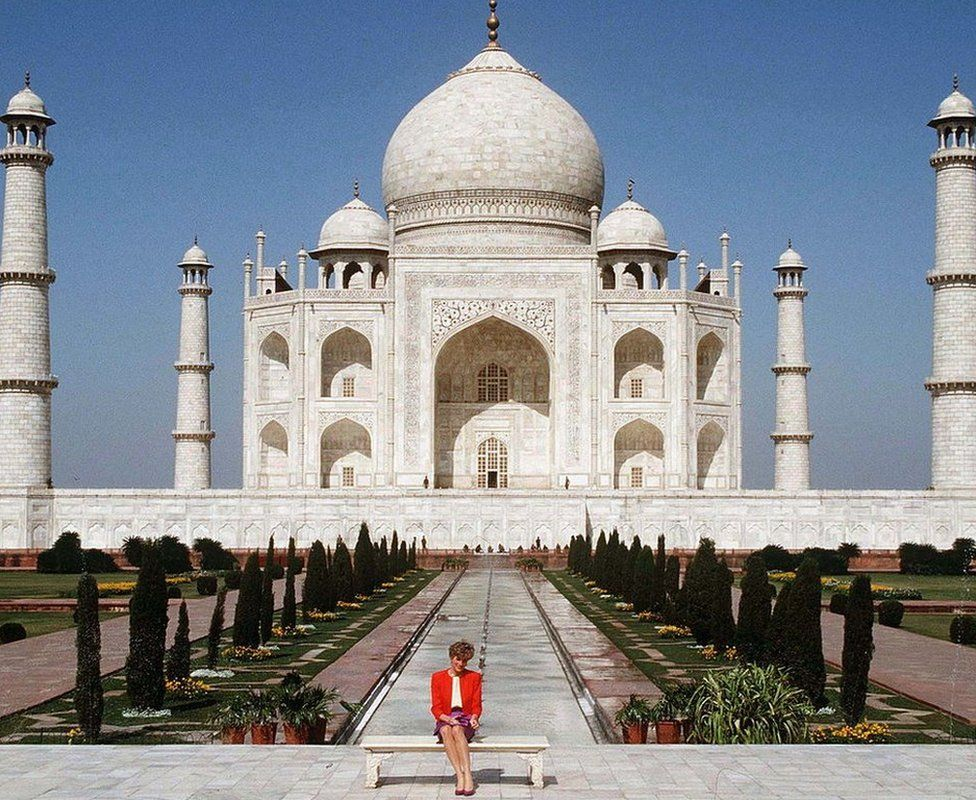 Princess Diana of Wales poses alone at the Taj Mahal during her visit in India in February 1992
