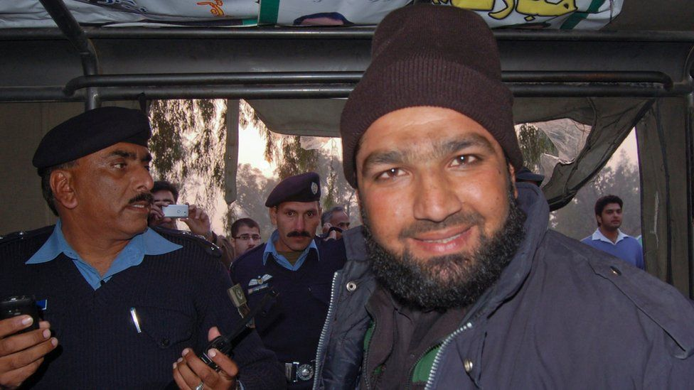 Mumtaz Qadri (right) was arrested in 2011 and charged with the murder of Punjab governor Salman Taseer