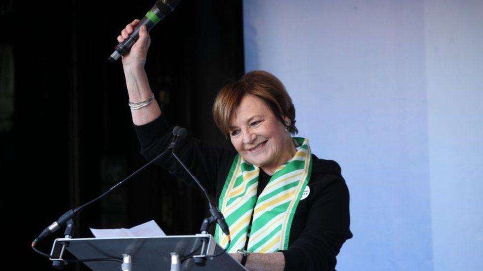 Delia Smith addresses Anti-Brexit campaigners
