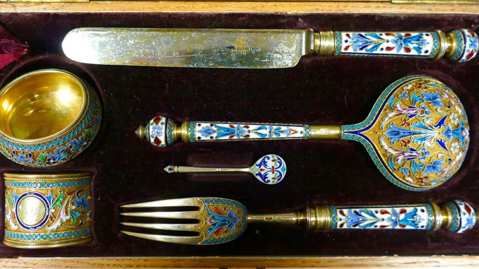 Cutlery in box