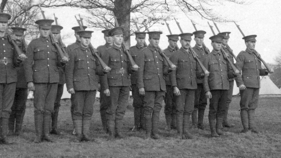 UVF recruits to the British Army at Clandeboye in August 1914