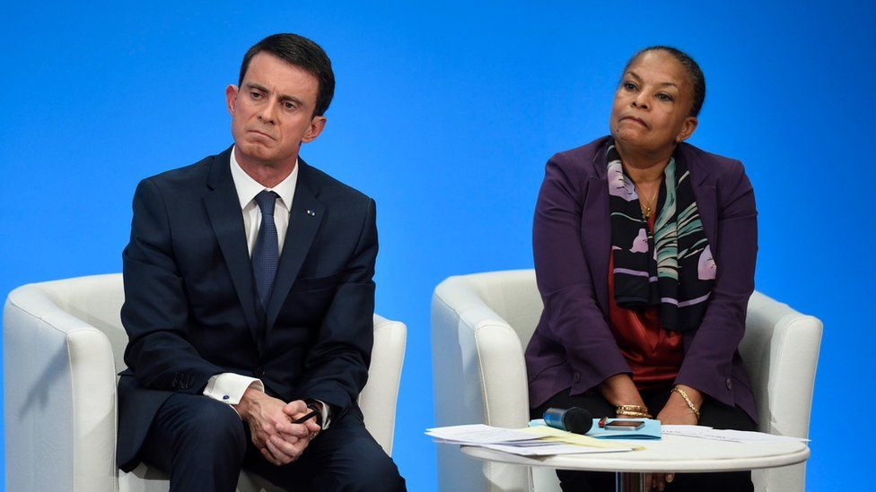 French Prime Minister Manuel Valls (L) and French Justice Minister Christiane Taubira attend a press conference at the Elysee presidential palace, in Paris, France, 23 December 2015.