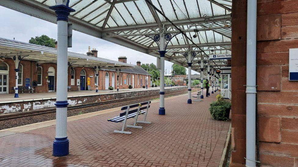 Dumfries train station