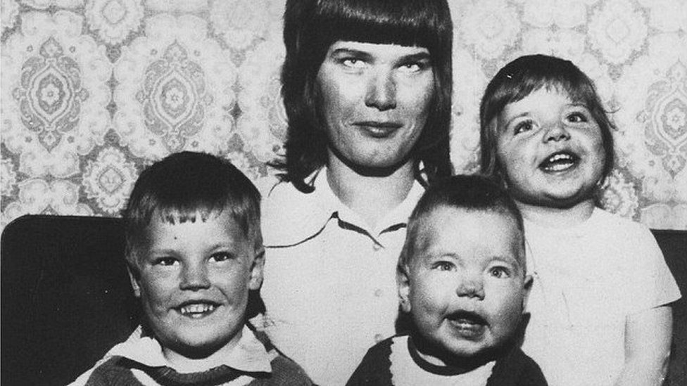 Elsie Ralph and her three children Paul, Dawn and Samantha