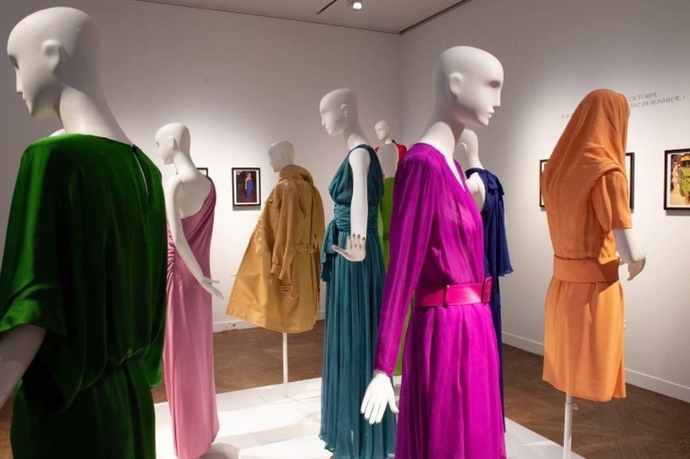 виставка одягу Катрін Деньов