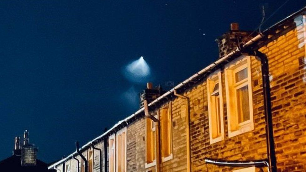 The light seen in the sky from Keighley
