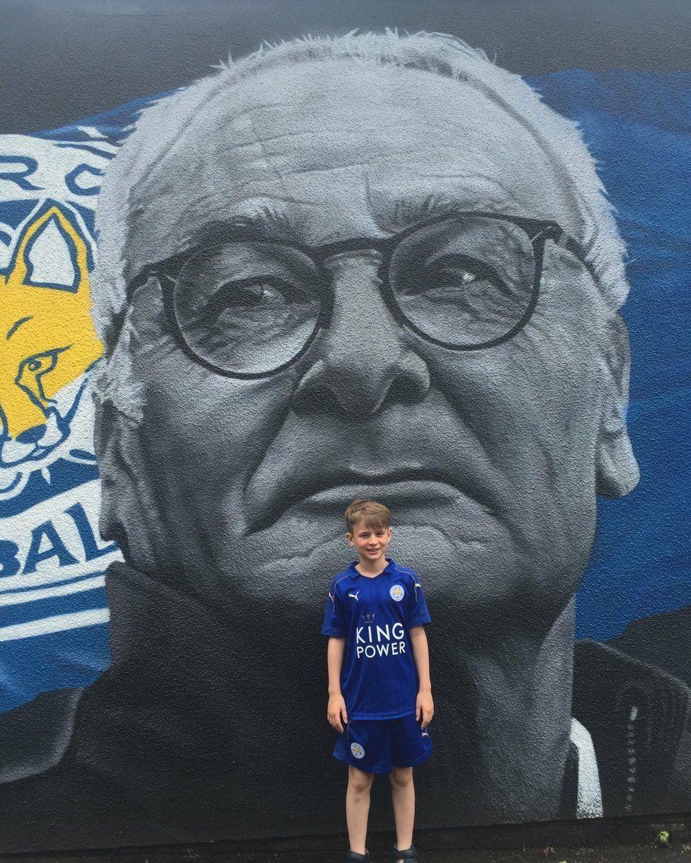 Jack Stephens in front of a Claudio Ranieri mural
