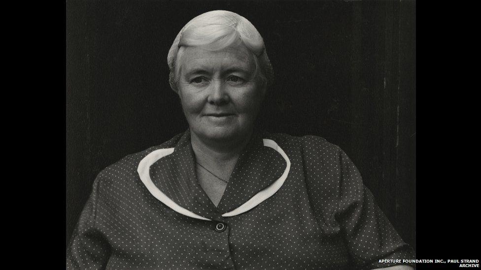 A' Bh. Ph. Eàirdsidh Dòmhnallach, Uibhist a Deas