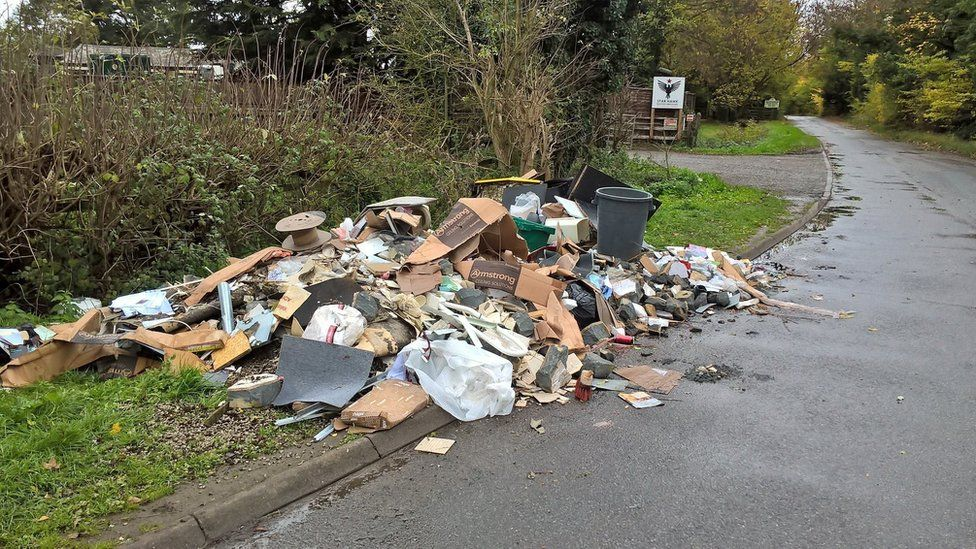 Fly-tipping at Ford Lane, Iver