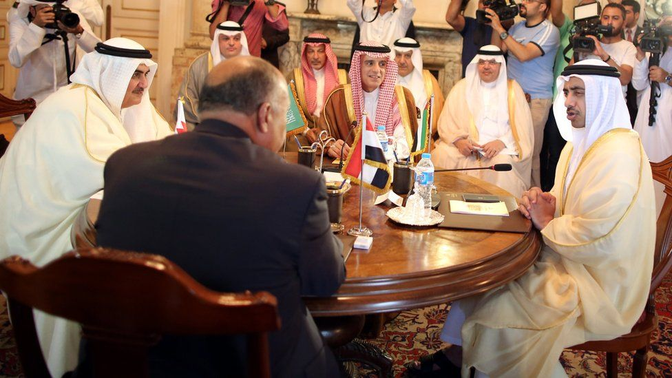 Saudi Foreign Minister Adel al-Jubeir (C), UAE Foreign Minister Abdullah bin Zayed Al Nahyan (R), Egyptian Foreign Minister Sameh Shoukry (2-L), and Bahraini Foreign Minister Khalid bin Ahmed Al Khalifa (L) meet to discuss the diplomatic situation with Qatar, in Cairo, Egypt (5 July 2017)