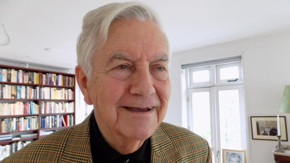 Former leader of the centre right VVD party and former EU Commissioner, Frits Bolkestein