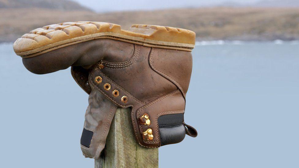 Walking boot on post