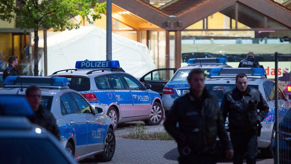 Police at scene of brawl in Hamburg-Bergedorf