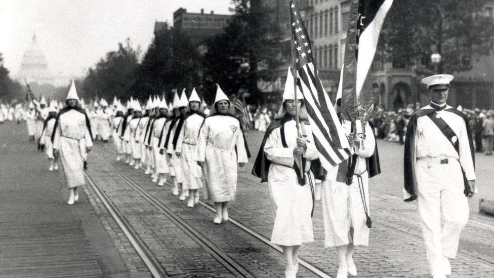 El papel clave que han tenido las mujeres en los movimientos de extrema derecha en Estados Unidos