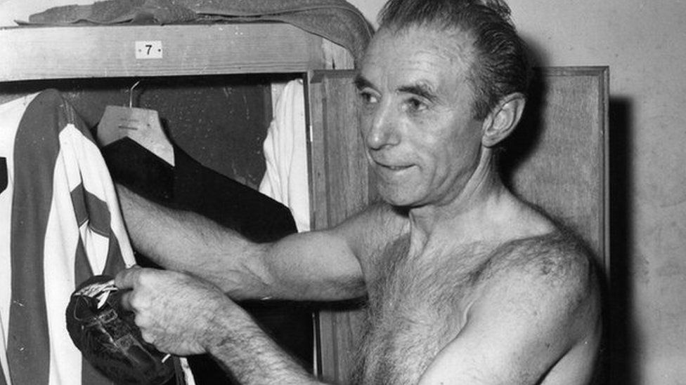 Sir Stanley Matthews hanging up his boots aged 50