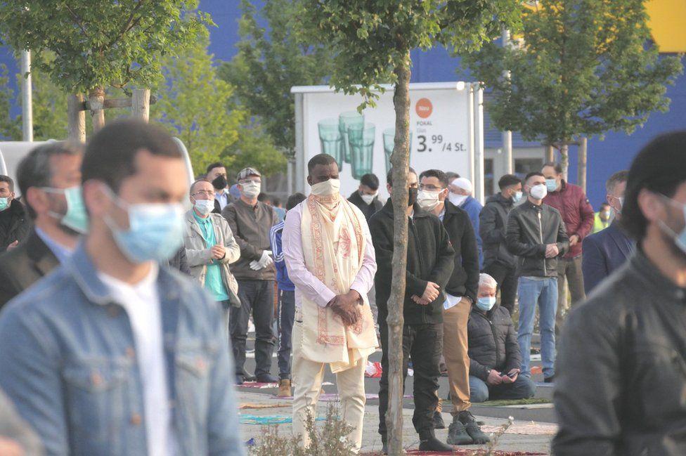 Around 800 Muslims gathered for the Eid prayer organised by IGMG Wetzlar mosque