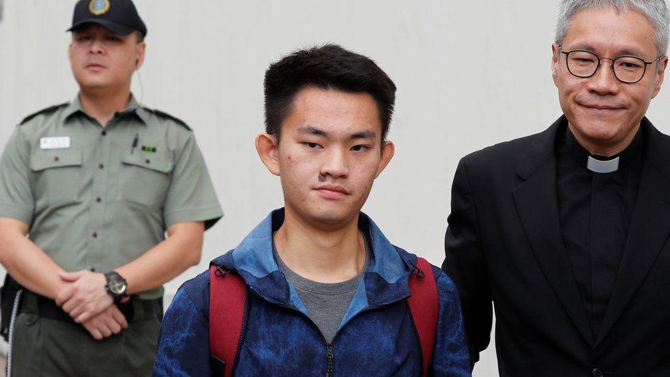 Chan Tong-kai leaving prison