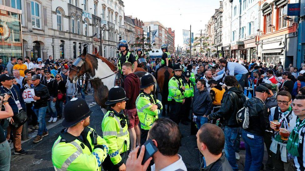 Police and football fans in Cardiff ahead of the Champions League final